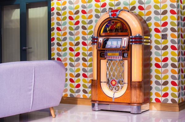 cd juke box 1015 1015 jukebox vente location baby foot. Black Bedroom Furniture Sets. Home Design Ideas